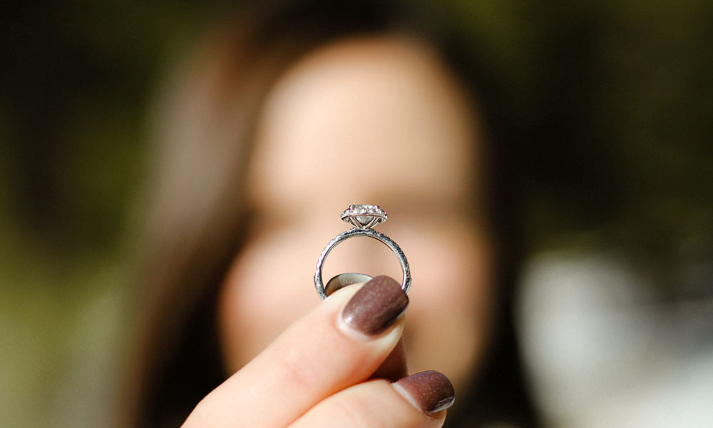 5 Reasons Why You Should Customise Your Engagement Ring